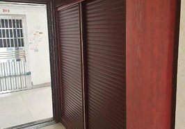 新一中附近小区房,一房一厅带厨房卫生间!离新一中200米远,步梯2楼,年租金5000元