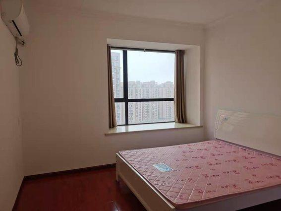 東方明珠電梯房 中高層 約140平 4房2廳2衛  4臺空調 天然氣已開戶 僅售68.8萬  也可出租,年租3萬 歡迎看房19971335789