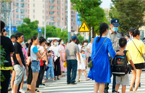 """荆州教育新规收紧,""""学区房""""成众矢之的?"""