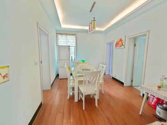 實驗小學附近寶豐花園精裝3樓僅售一口價39.8萬