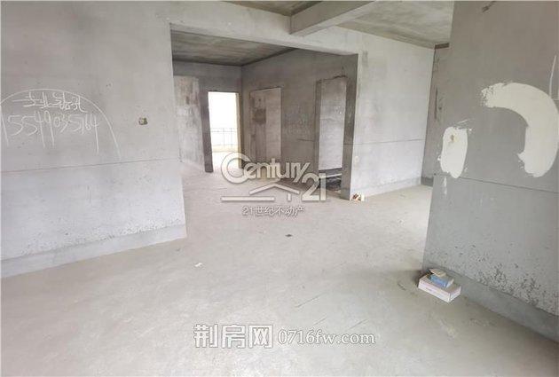 沙北 电梯大三房 纯毛坯 中高楼层 采光非常好