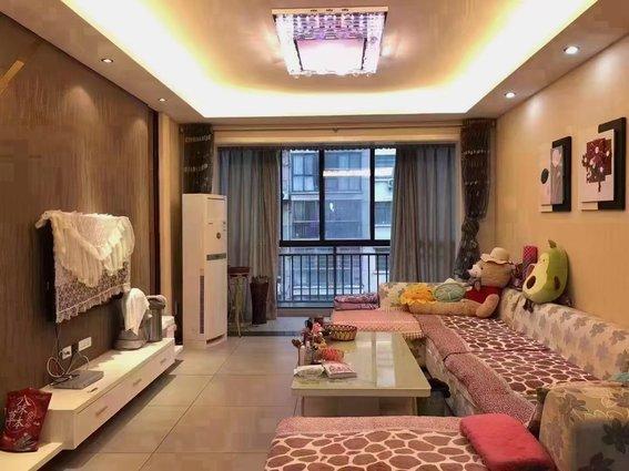 瑞龙现代城中层,精装带所有家具家电 129.53平,三房两厅两卫,南北通透,售59.8万!二证齐全 支持按揭 欢迎看房!