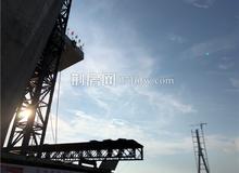 最新进展!洪湖至嘉鱼长江大桥南北主塔成功封顶