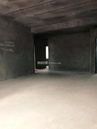 出售沙市北京东路玉兰小区住宅,楼层好5/6,三证齐全,满5年,本人在外地,新房从买到现在一直未入住