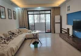 金馬紫園樓梯房黃金樓層,128平,3房2廳2衛,家電齊全,拎包入住僅售43.8萬,證件齊全,歡迎看房!